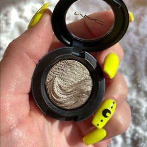 MAC Silver Dawn extra dimensional eyeshadow